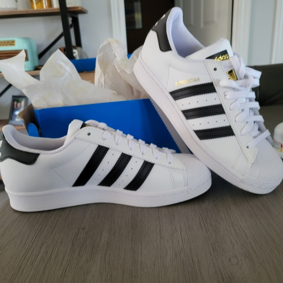 SOLD NEW IN BOX Size 8 Ladies Adidas Shoes